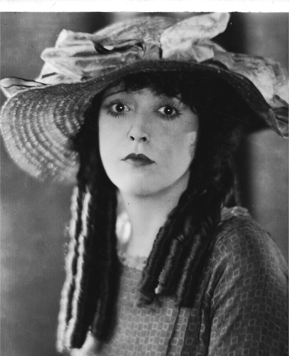 Mabel Normand EXTRA GIRL IN NY Looking for Mabel Normand
